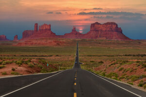 monument valley coming from mexican hat